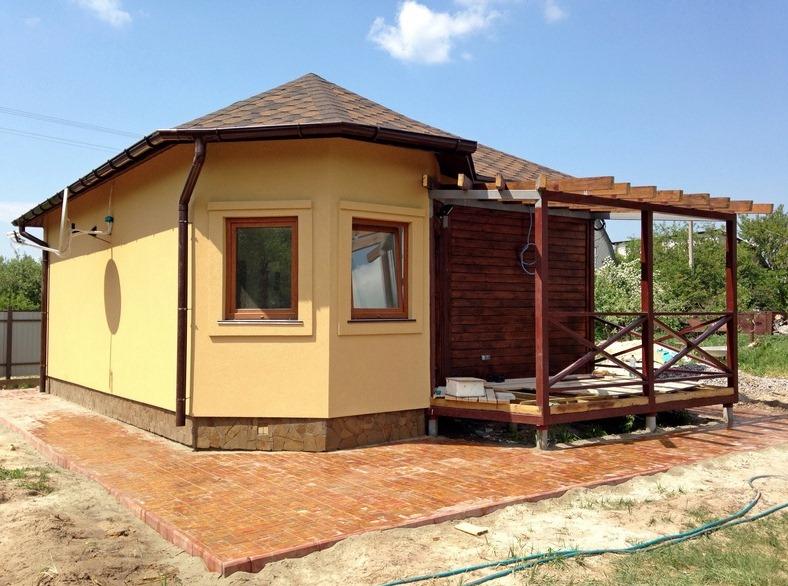 Одноэтажный дом из СИП-панелей с террасой